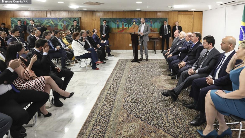 Bolsonaro recebe representantes policiais para tratar sobre o PL do Abuso de Autoridade