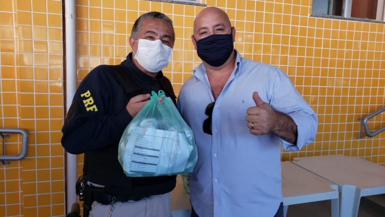 SINPRFRJ distribui máscaras para associados ativos