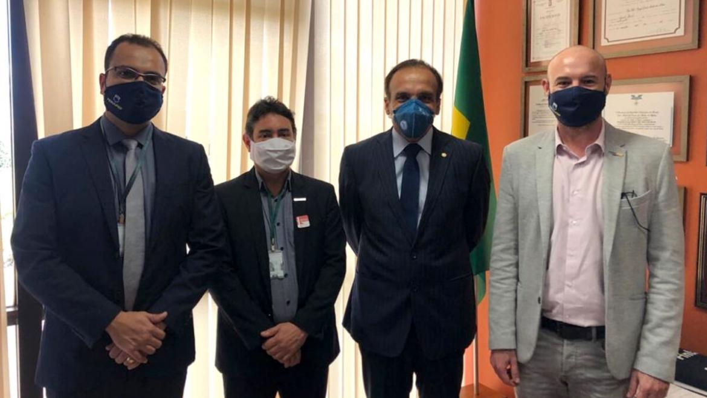 FenaPRF faz visita de agradecimento simbólico a parlamentares