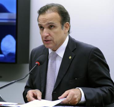 Prioridade de vacinação contra a Covid-19 para PRFs lotados no Estado do Rio de Janeiro