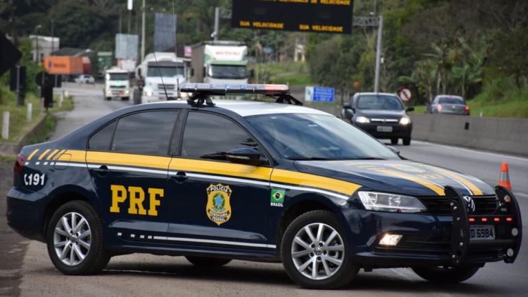 Câmara dos Deputados aprova PL que resguarda policiais de responderem por infrações de trânsito em serviço